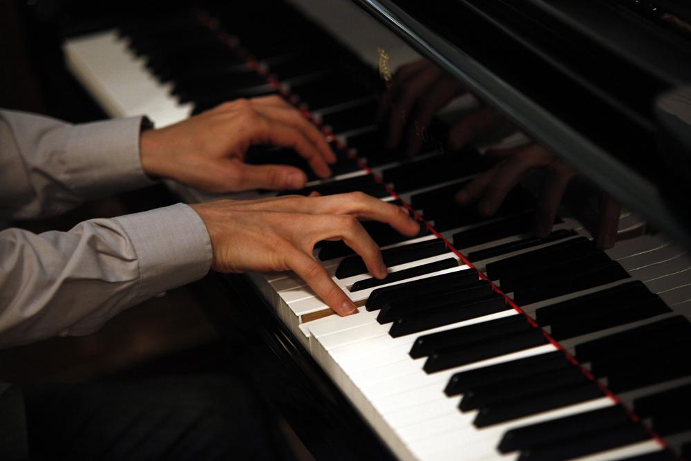 Julien hands